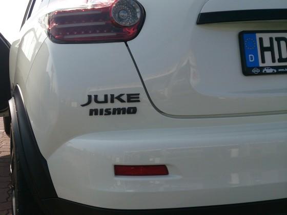 Juke Schriftzug in Carbon